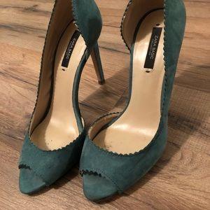 Zara Green scalloped heels. Sz. 7.5-8 /38